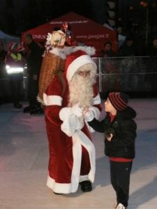 Le père Noël sur la glace !